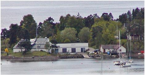 Det nye klubbhuset ligger idyllisk til på Myren sør på Malmøya.
