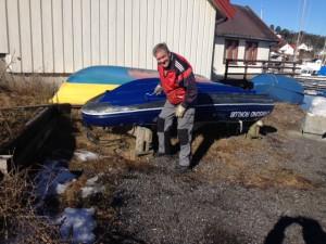 Ole Martin stoffer båt