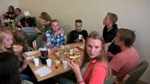 Pizza på Kyrkjetunet i Osøyro.