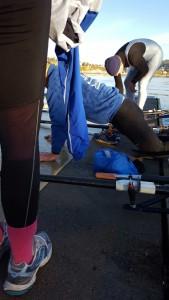 Steg 3. Prøv å komme deg opp i håndstående og dra beina etter deg inn på brygga.