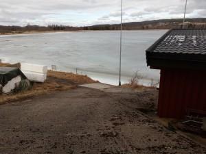 Flo, fjære og strømforholdene i Glomma virker veldig inn på Vingersjøen.