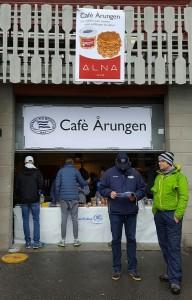 Vi varmet oss med vafler fra ALNA.