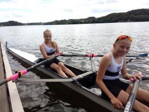"""Litt mellomfornøyde. Mille og Anna Luna greide en 4. plass etter en """"fisk"""" og full stopp."""