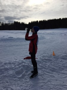 Drikke må til for å kunne gå fort på ski.